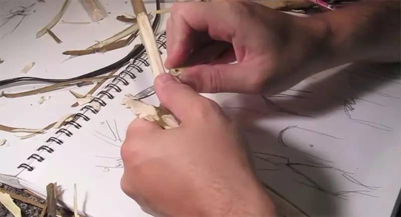【木雕过程】从枯树枝到盎然的大公鸡