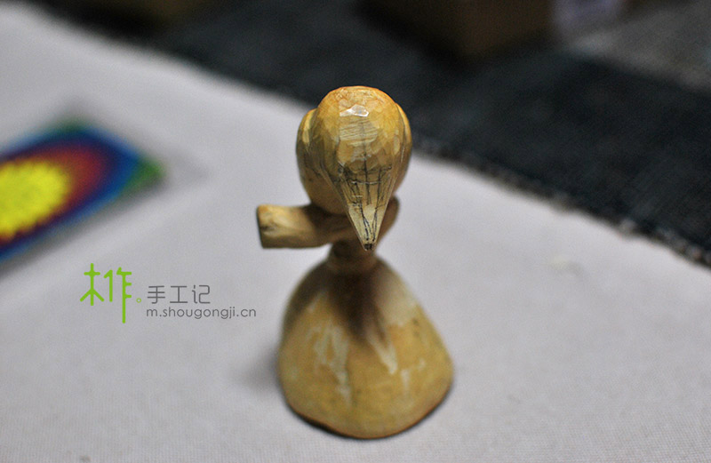 【木雕教程】黄杨雕刻的枯蓬寒雀